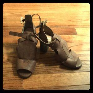 Seychelles sandals